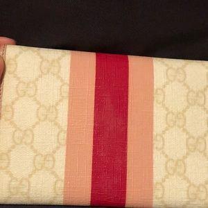 Gucci Bags - Gucci medium wallet